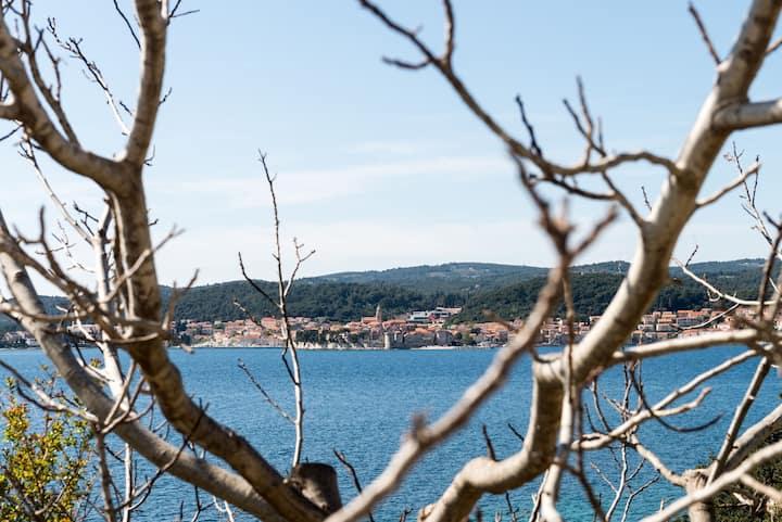 Blue apartment in Perna, sea view!