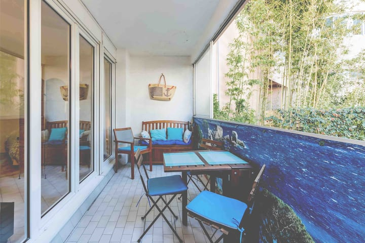 T1,terrasse,  parking ,Prado plage ,Roucas Blanc