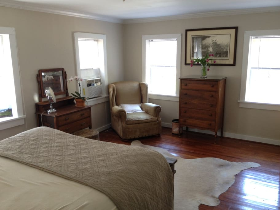Bedroom vanity and dresser for guest's use.