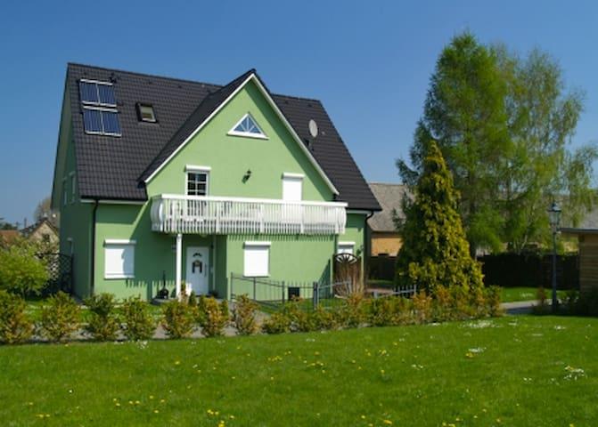 Ferienwohnung mit Terrasse - Dresden - Apartment