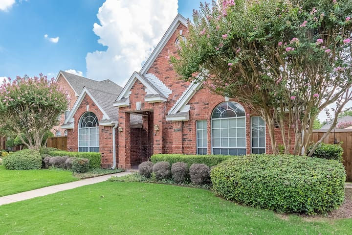 Completely Remodeled Home in West Plano - Plano - Maison