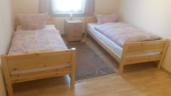 Am Rheinfall EG - Zimmer 1 - Room 1