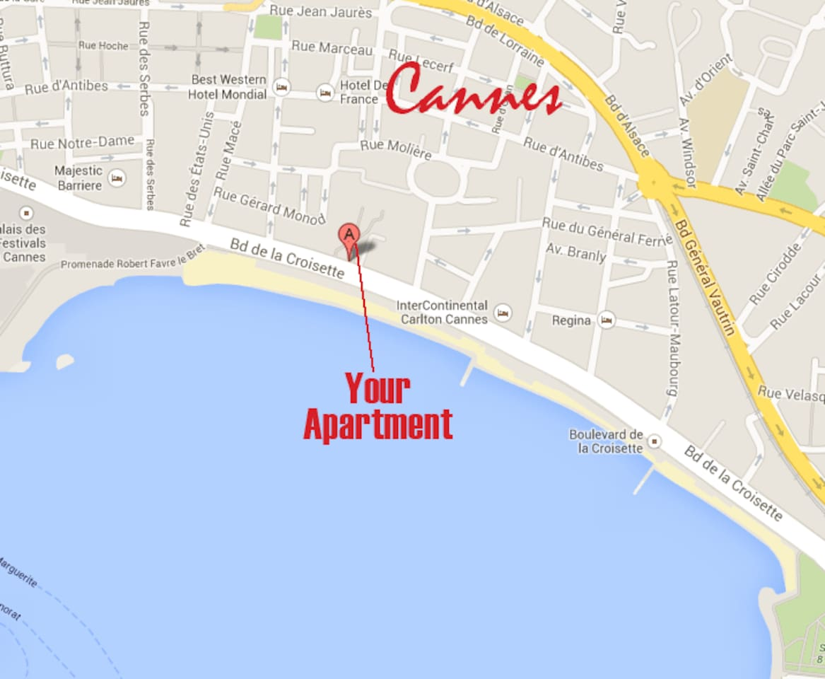 When we say on the water, in the center of Cannes we really mean it!