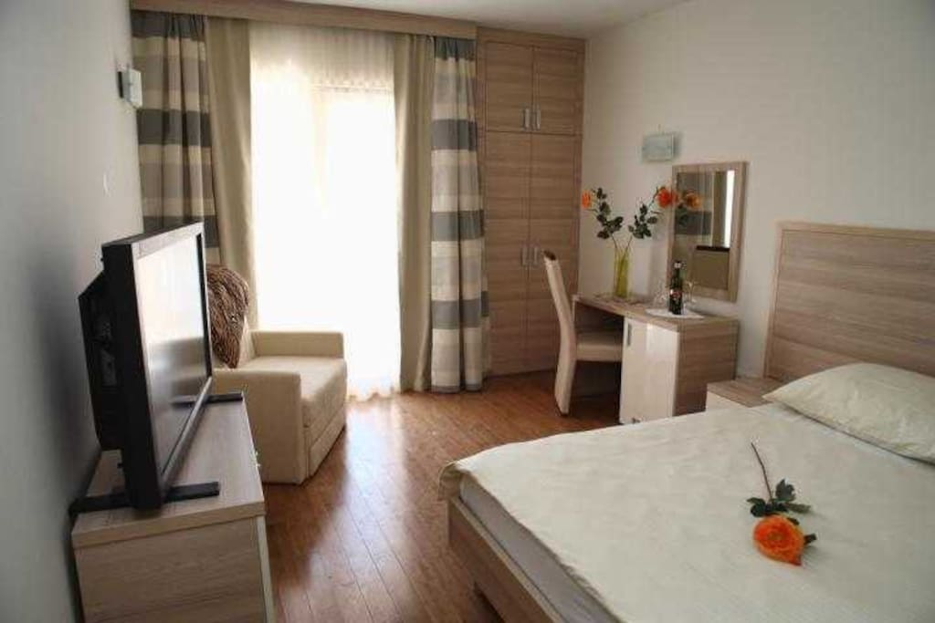 Comfortable room with SAT TV, mini bar and air conditioning