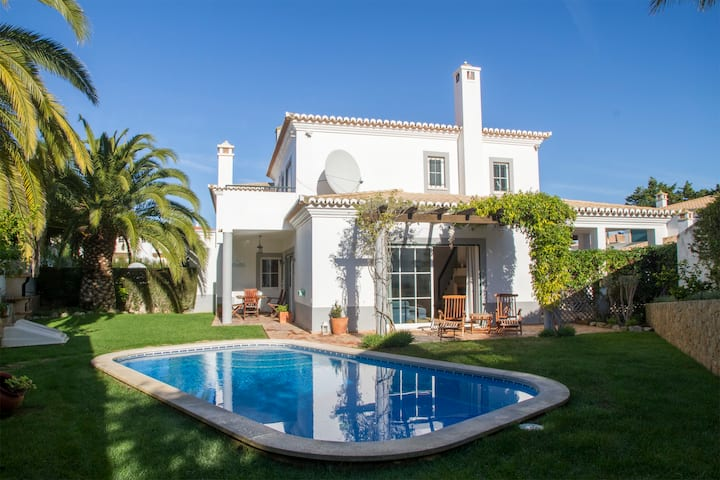 Private 3 Bedroom Villa - 100m from the beach