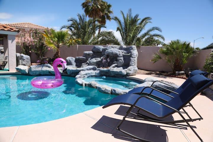 Vegas Cozy Pool Home 2
