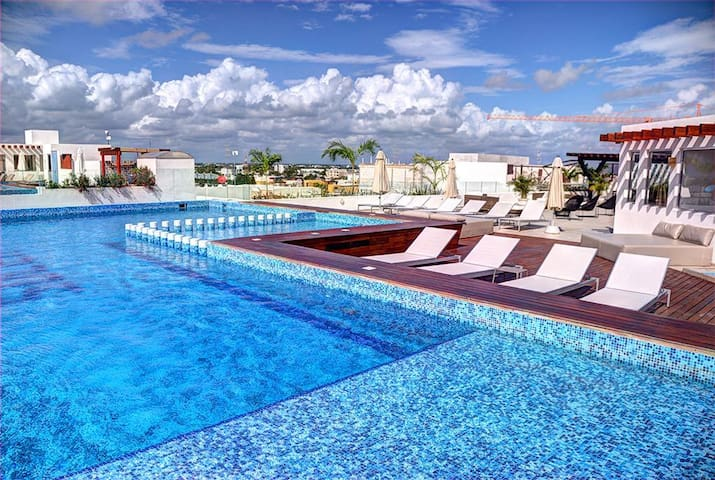 BEST LOCATION! rooftop+pool+gym+5th ave+best beach