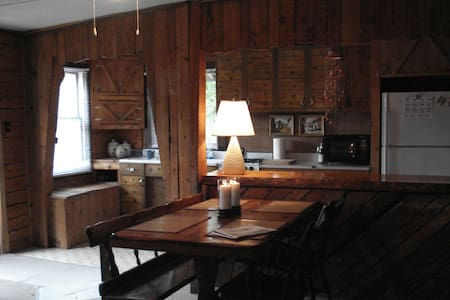Rustic Remote Cabin in the Woods - Westmore