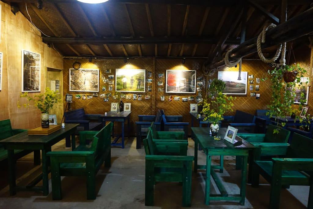 一层咖啡屋