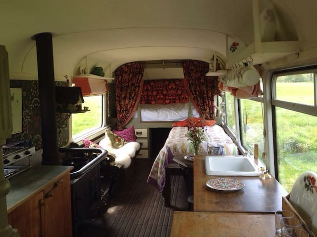 Vintage Bus 5 Bed nr Weymouth coast - Owermoigne - Camper/RV