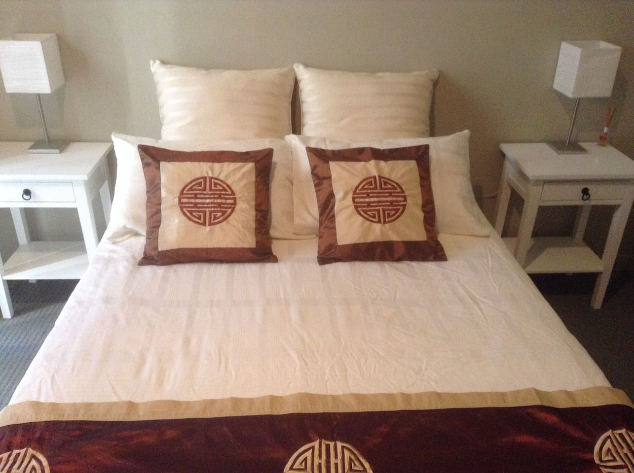 Sunny double room for couples or singles.