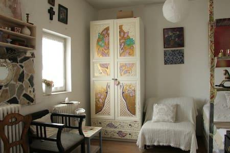 NEW Romantic cozy studio Bucharest downtown/center - Bucharest - Apartment