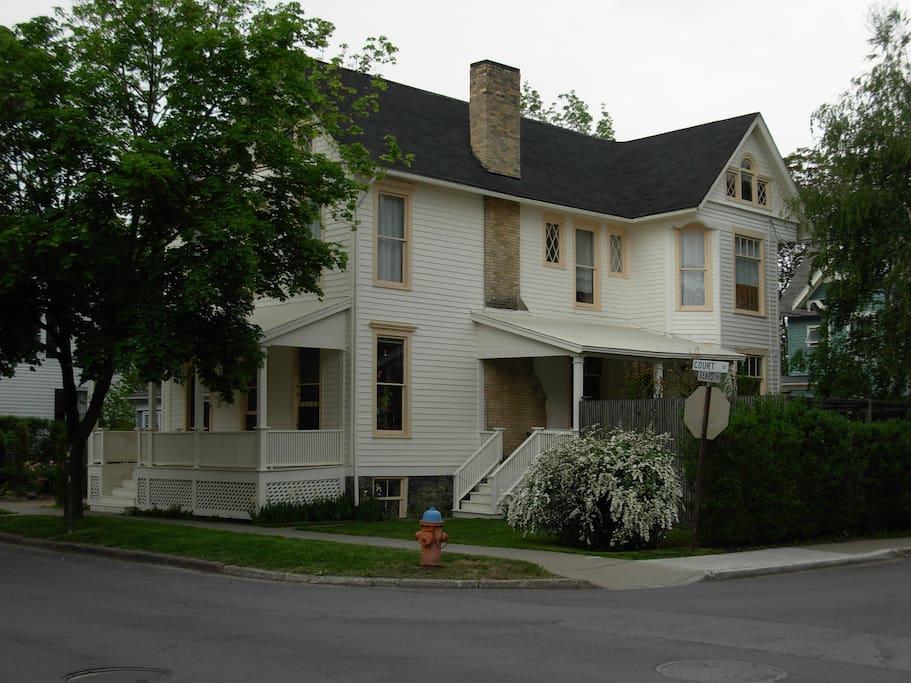 118 E. Court St.