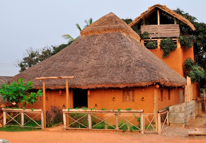 Mud House and Tree House Home Stay  - Bangalore - Casa