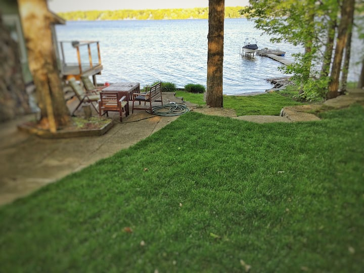 4 Season Kawartha Lakefront Property on Clear Lake