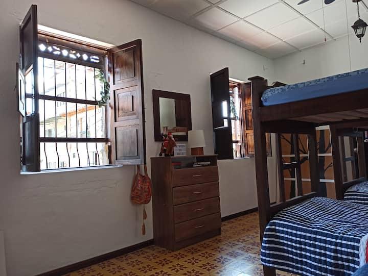Hermosa Casa Colonial entera en San Carlos (Ant)