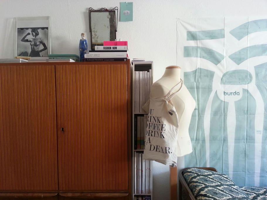 The room / La chambre