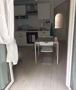 Piccolo alloggio vicino Palacongressi Rimini