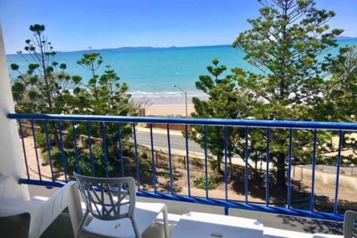Centre of Yeppoon Beach Retreat Sleeps 3-4 Aircon