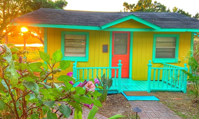 Firefly Resort Cottages' Paradise Cottage, Cedar Key