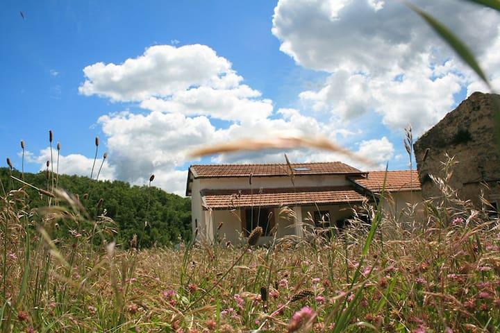 Baita nel verde dell'Alta Sabina - Monte San Giovanni In Sabina
