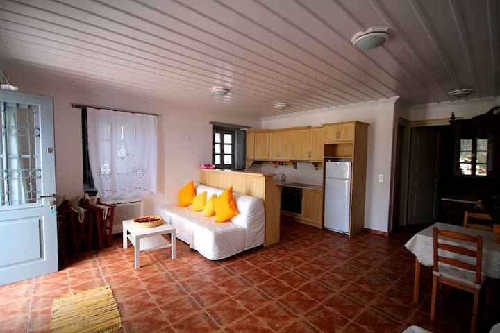 Small Apartment with Great Views - Hydra - Apartment