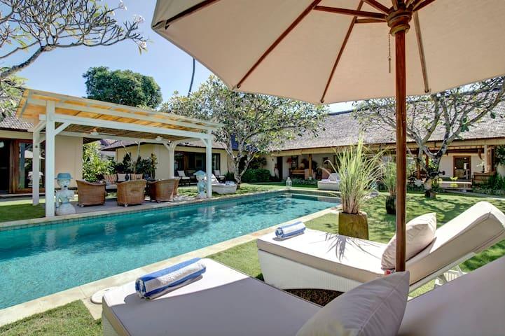 Beautiful Colonial Villa in Sanur  - South Denpasar - Villa
