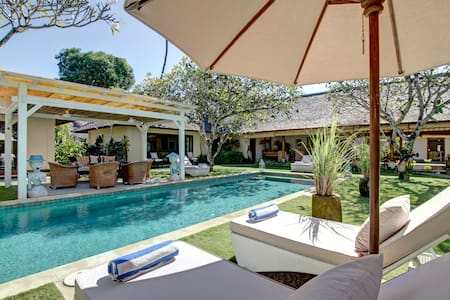 Beautiful Colonial Villa in Sanur  - South Denpasar