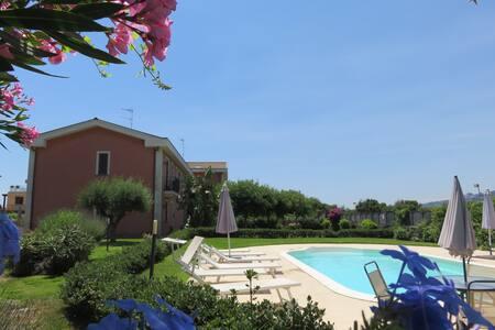 Bivano con terrazzo, piscina, wi-fi - Acireale