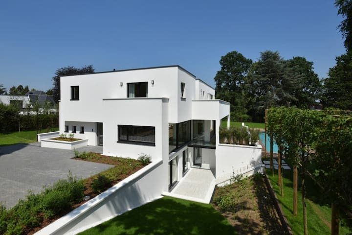 Villa 750m2 of great standing Woluwe-Saint-Lambert