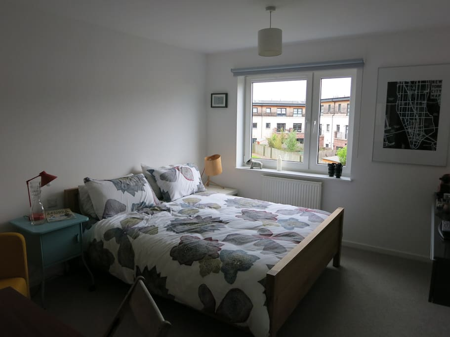 Lovely bright room with a nice outlook onto the private development gardens