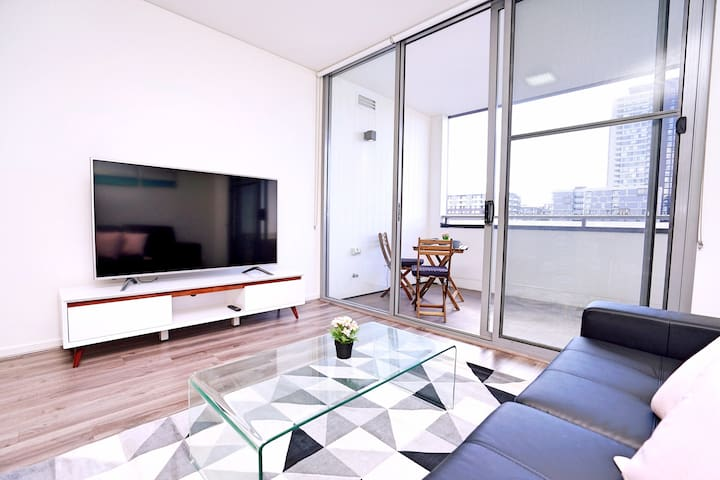 Quiet and Spacious 1 Bedroom Apt Near Olympic Park