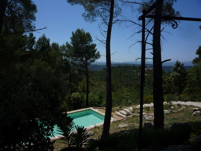 Maison en Provence (83) ; piscine  - Tourtour - House