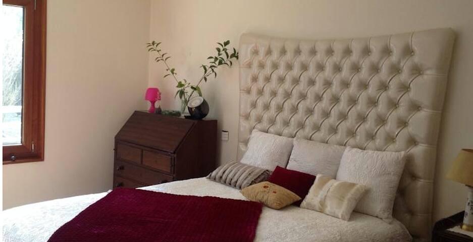 Canas Guest House in Lisbon - Lisboa - Bed & Breakfast