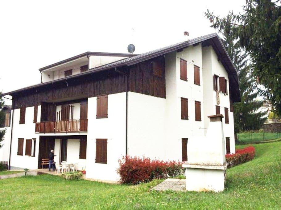 Casa montagna val seriana castione appartamenti in for Case affitto bergamo