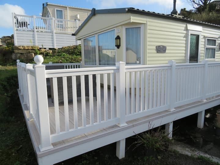 Large Caravan # 6-8 Berth # Pool & Gym On Site