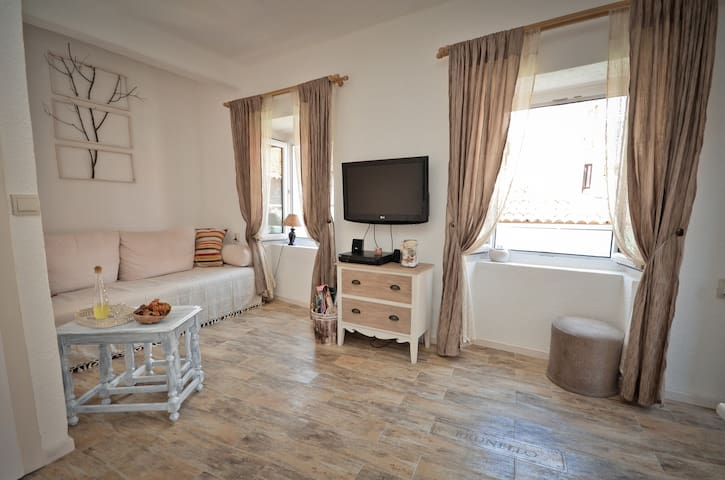 Old Town Budva Authentic Apartment - Budva