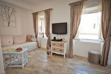 Old Town Budva Authentic Apartment - Wohnung