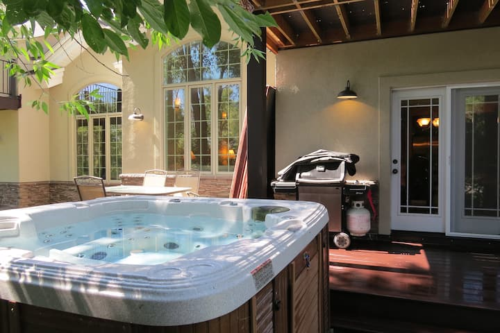 Teton Creek Townhouse with Hot Tub