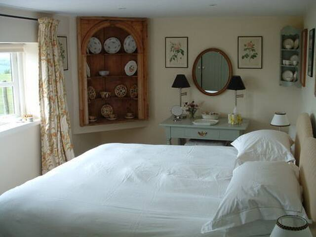 Lulworth Apartment - Stunning Views - Sherborne