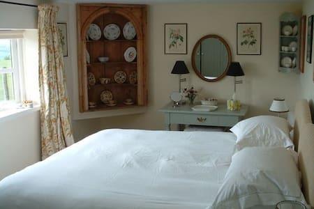Lulworth Apartment - Stunning Views - Sherborne
