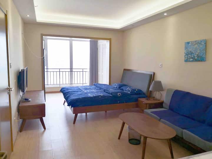 【春意融融】官厅水库精装公寓 可住2-4人 躺在床上看水库 公共艺术小镇