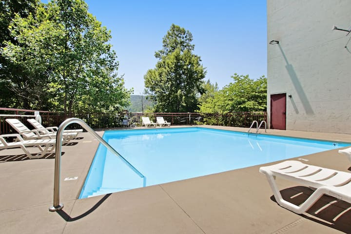 Condo w/ shared pool & gas fireplace in the heart of downtown Gatlinburg