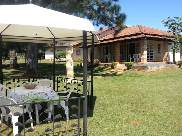 Three rooms in a house - Brasilia - Huis