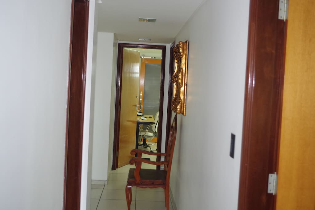Part inside access to rooms