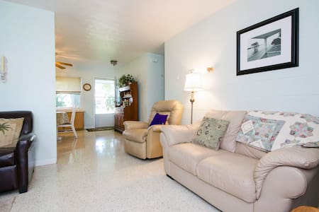 Relax'n Water View Cottage - Largo - Bed & Breakfast