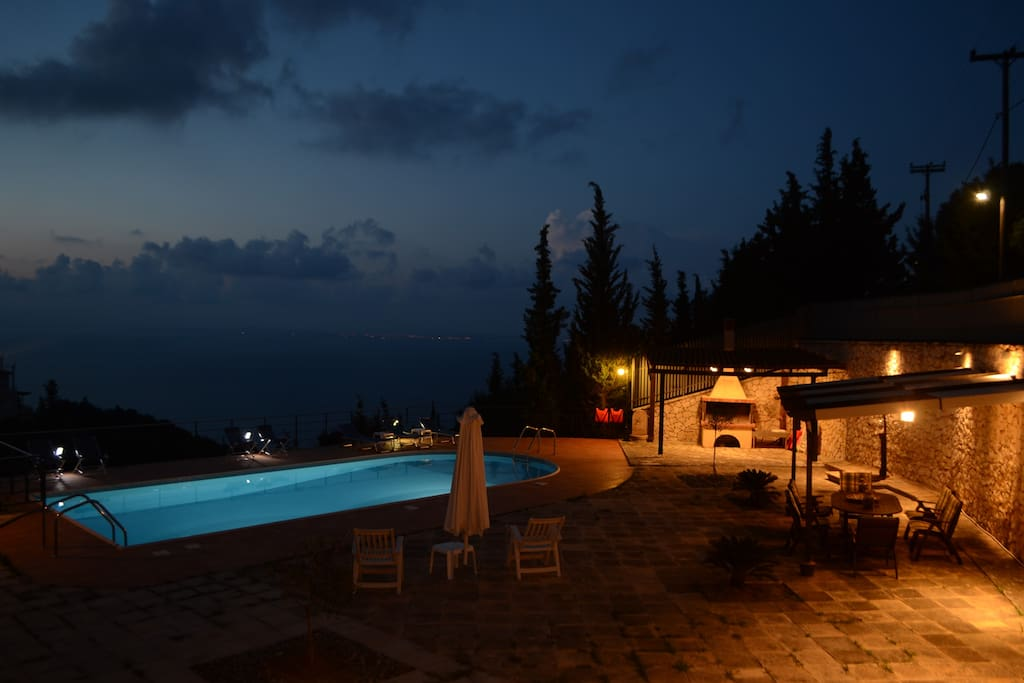 Swimming Pool - Barbecue (Evening)