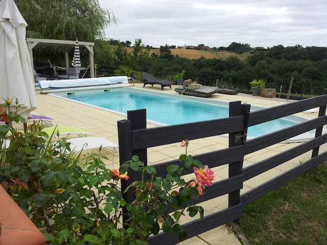 Gîte pour 8 pers avec piscine, spa, salle de sport - Beaumarchés