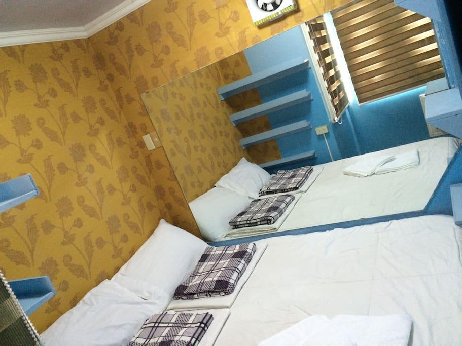 Master's Bedroom.
