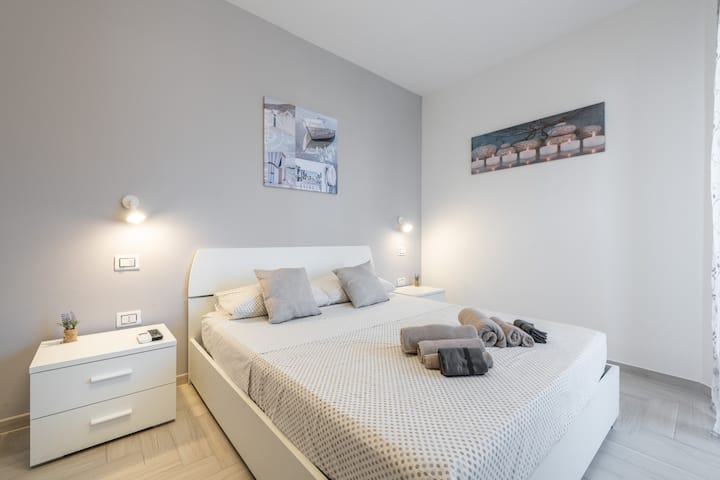 Le Domus modern apartment a due passi dal mare